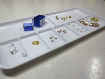 Use an inexpensive artists palette to organize and transport gemstones in the studio.